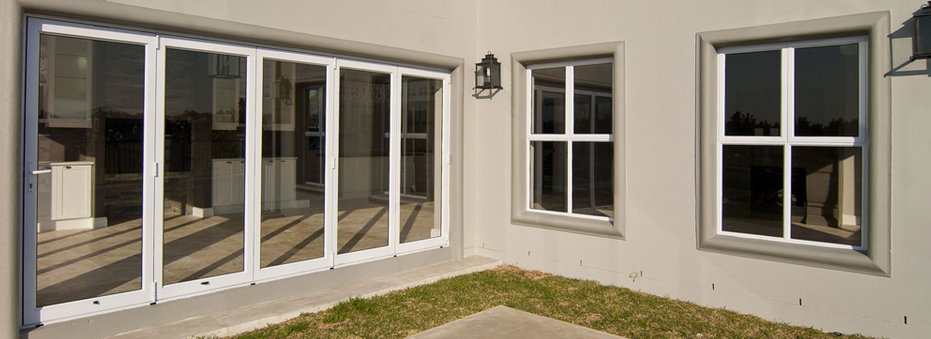Upvc bi fold doors dartford bi folding door prices for Upvc folding doors